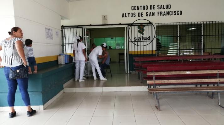 Caos en la atención médica en un centro de salud de La Chorrera por problema eléctrico