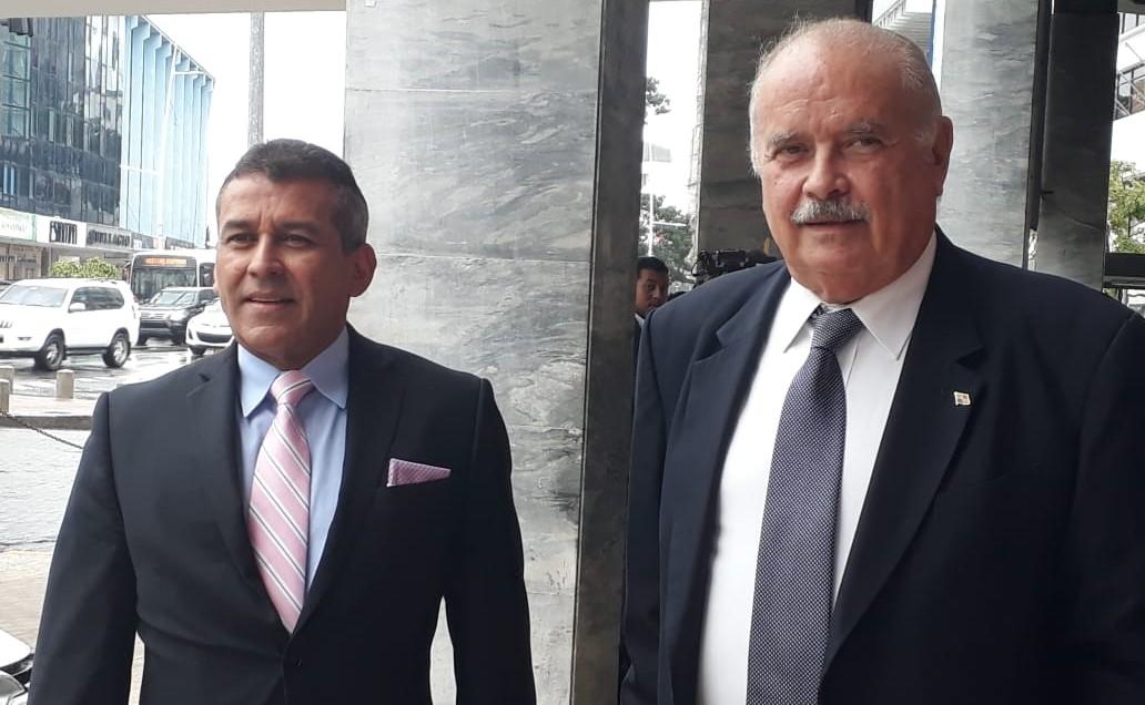 Denuncian al expresidente Juan Carlos Varela por blanqueo de capitales y otros cuatro delitos