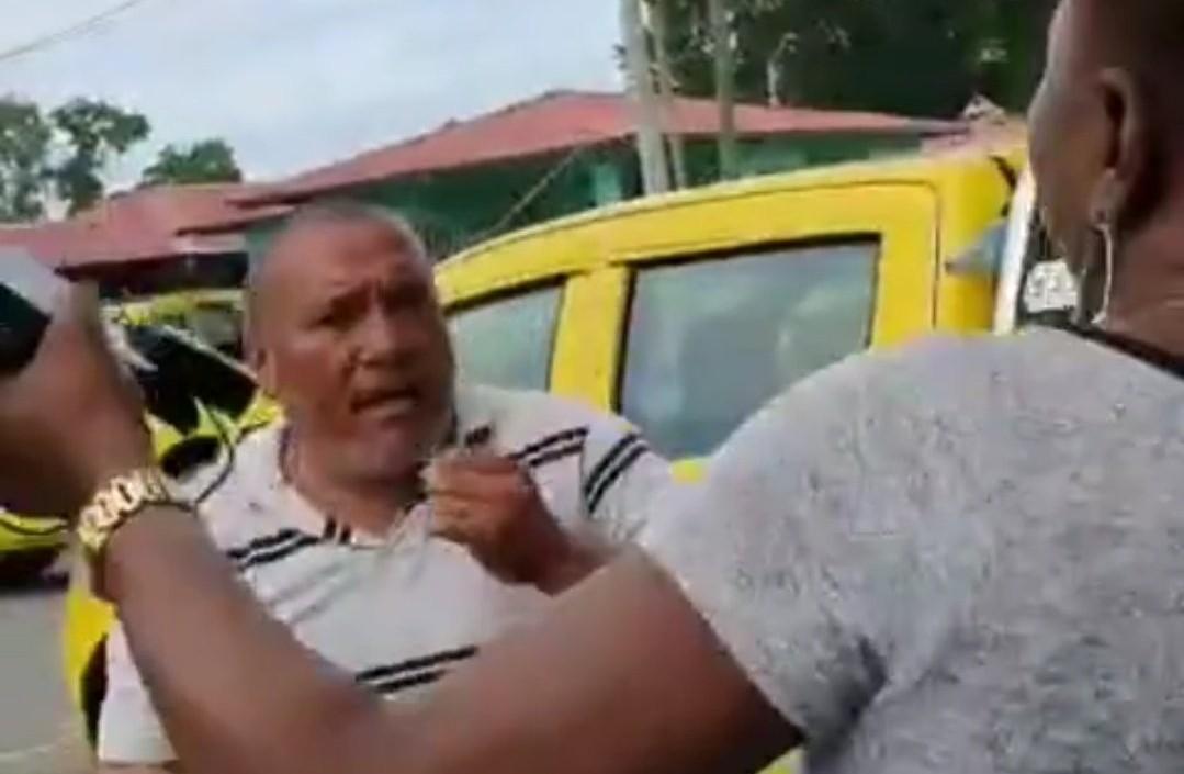 Aprehenden a transportista grabado en video mientras agredía a una doctora en Bocas del Toro