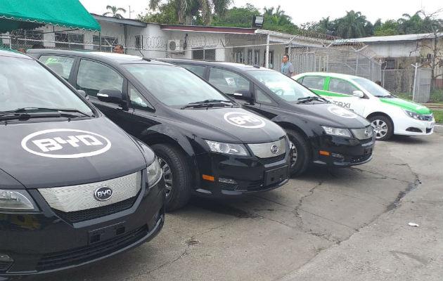 Se inaugura en Colón, primera estación de carga para vehículos eléctricos