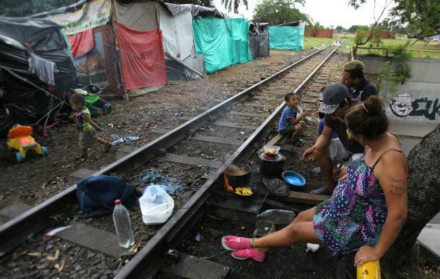 Desalojarán a 400 venezolanos que invaden terrenos en el suroeste de Colombia