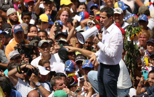 Guaidó señaló hoy en Twitter que en las actividades de mañana estarán desplegados