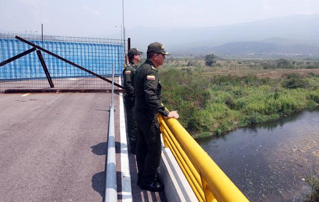 Colombia niega supuesto espionaje con un avión cerca de frontera venezolana