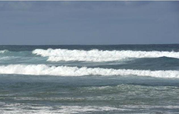 Advierten sobre fuertes oleajes en el Mar Caribe panameño