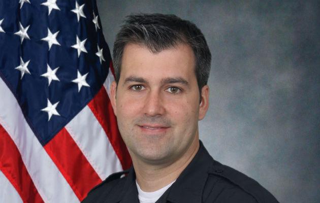 Policías en EE.UU golpean a un hombre desarmado