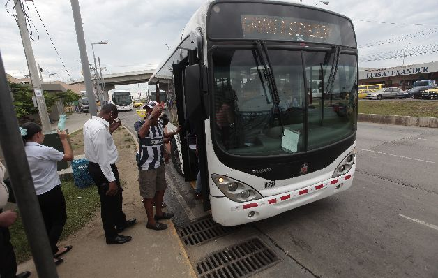 'Gobierno varelista crea un precedente nefasto al asumir deuda de Mi Bus'