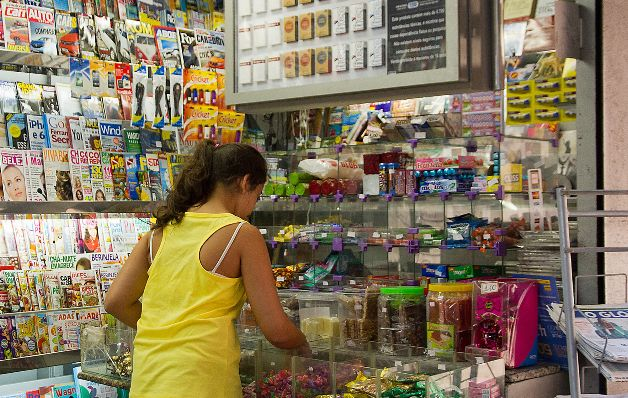 Baja el índice de precio en los Estados Unidos, y suben ventas minoristas