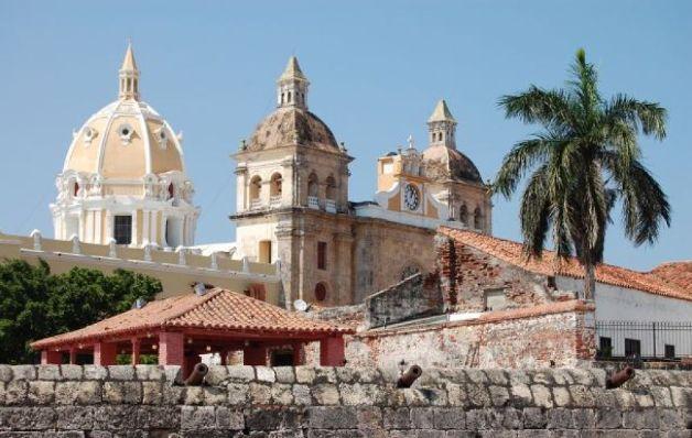 Libro sobre Cartagena de Indias