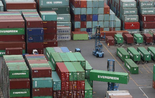 Baja el déficit comercial 1.1% hasta septiembre