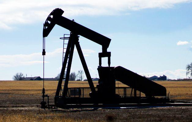 Petróleo de Texas baja un 0.37% y cierra en $40.39