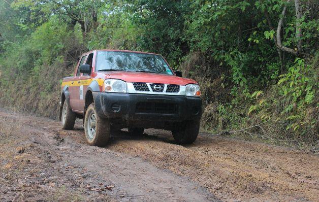 Lluvias dañan los caminos en Las Minas