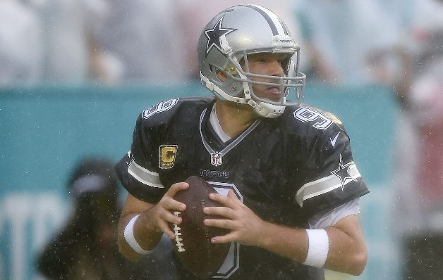 Tony Romo volvió con una victoria