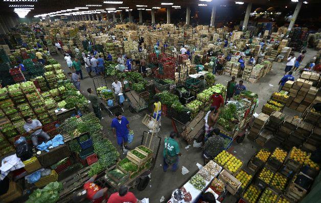 La economía de Brasil caerá un 3.15% en 2015