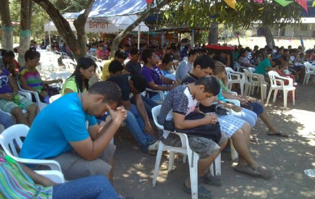 Regulan  retiros espirituales en toda Herrera