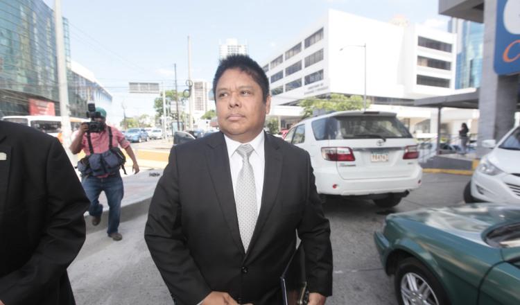 El ministro Alexis Bethancourt dijo que su experiencia en la Unidad de Análisis Financiero servirá para sustentar la querella. /Foto Víctor Arosemena