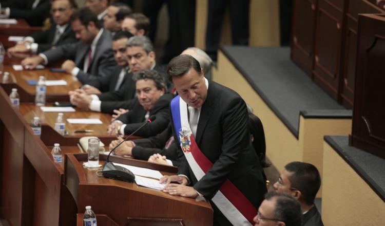 El presidente Juan Carlos Varela ha prometido entregar casa gratis con el dinero que recuperen de la corrupción. /Foto Archivo