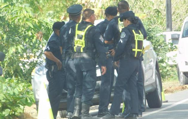 Unidades de la Policía Nacional coordinan acciones para la investigación del caso. Fotos: Zenaida Vásquez.