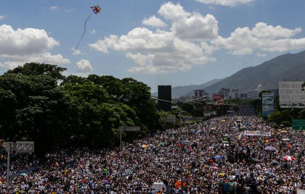 Resultado de imagen para Oposición completa 50 días en las calles con Maduro aferrado a Constituyente