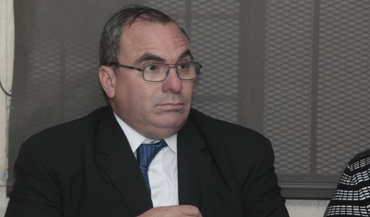 El pago de la cirugía de más de 17 mil dólares desde la partida discrecional para Rolando López fue motivo de repudio. /Foto Archivo