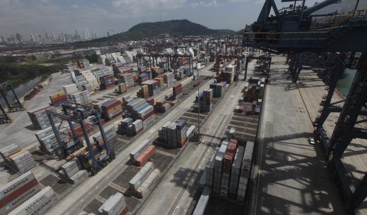 Movimiento de carga en América Latina cayó un 0.9% en el 2016