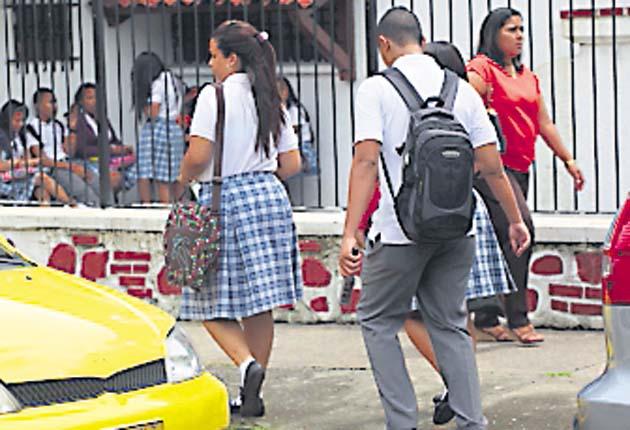 Escuelas privadas no aumentarán el sueldo a sus docentes
