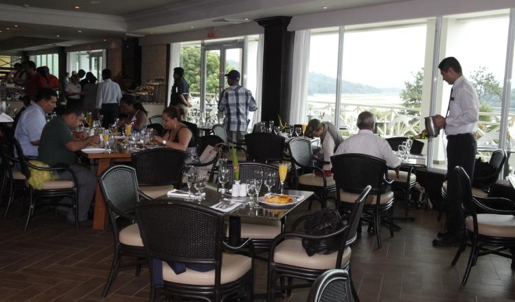 De seguir la disminución en las ventas en los restaurantes del país, algunos empresarios se verán obligados a cerrar sus negocios. /Foto Archivo