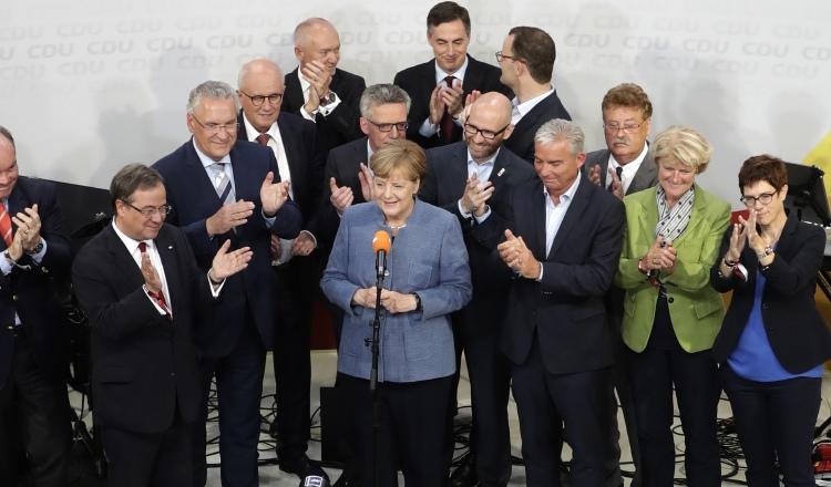 Merkel gana su cuarta elección