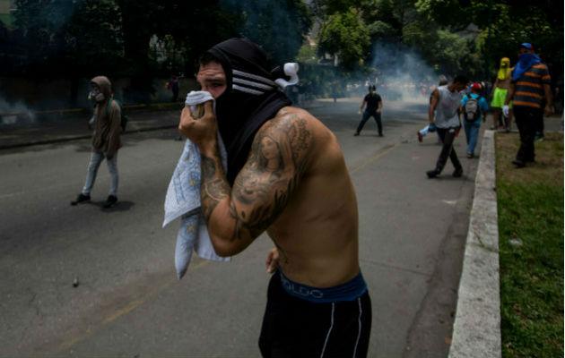 Detienen a tres periodistas mientras realizaban reportaje sobre Tocorón en Aragua