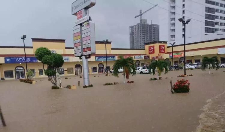 Inundaciones de los últimos años hacen que los vecinos estén alertas ante las nuevas construcciones. /Foto Archivo