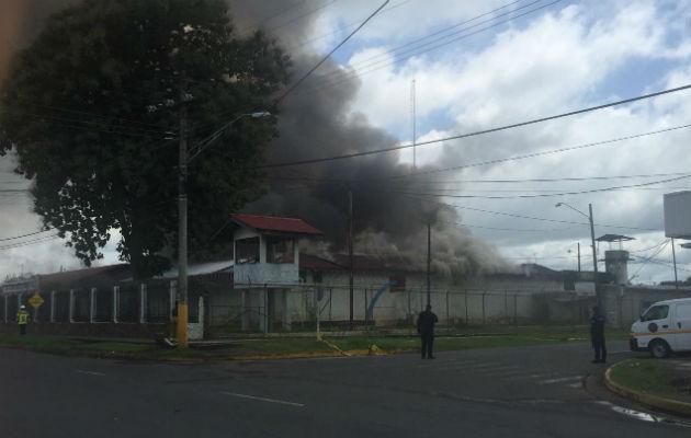 El incendio se propaga. Fotos: Mayra Madrid