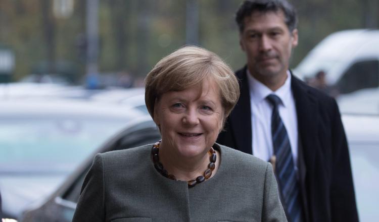 Cae el apoyo ciudadano al inédito tripartito de la canciller Ángela Merkel