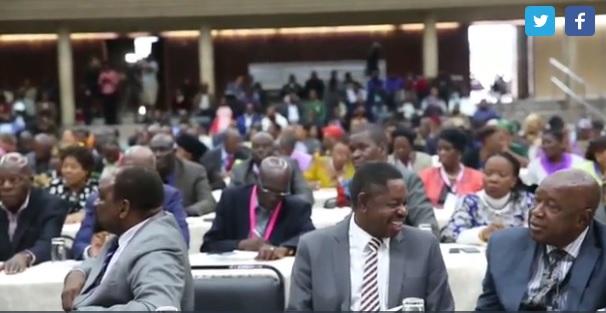 Los veteranos de guerra de Zimbabue también piden la dimisión de Mugabe