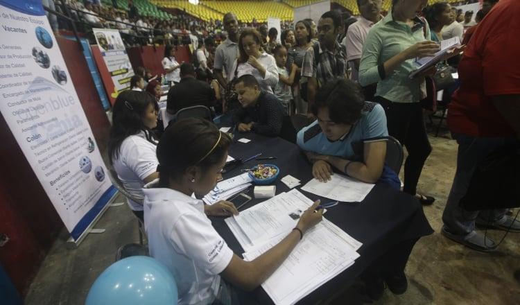 Miles de vacantes están disponibles en plataformas digitales sin ser ocupadas, aunado al aumento del desempleo. Archivo