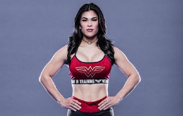 """""""La Mujer Maravilla"""" incursionó en las artes marciales mixtas en  2014."""