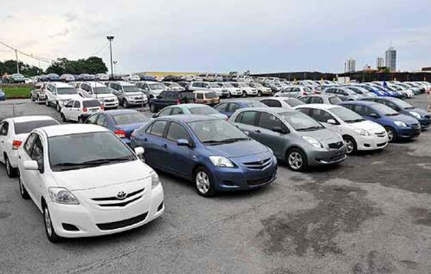 Regulación a la importación de autos usados afectaría a la clase media según diputado