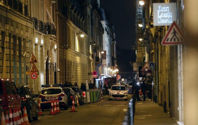 Asaltan el lujoso hotel Ritz en París y se llevan un botín de $5.4 millones en joyas