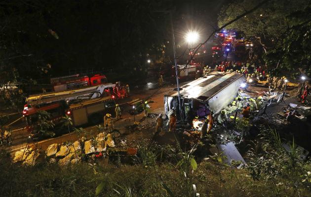 Accidente de autobús en Hong Kong deja 18 muertos y 62 heridos