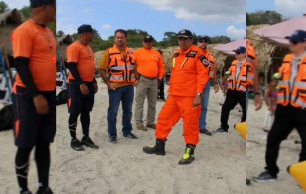 Etchelecu se viste de voluntario del Sinaproc para recorrer el país