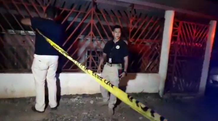 El cadáver fue ubicado por unos vecinos que reportaron el hecho a la policía / Foto: Delfia Cortés.