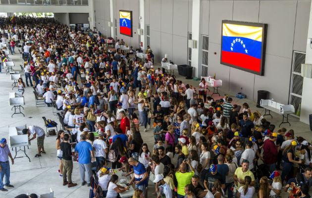 Crisis diplomática: Venezolanos están preocupados por la suspensión de envíos a su país