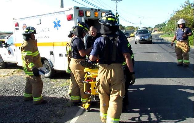 Tres heridos deja triple colisión en barriada Miraflores de Penonomé