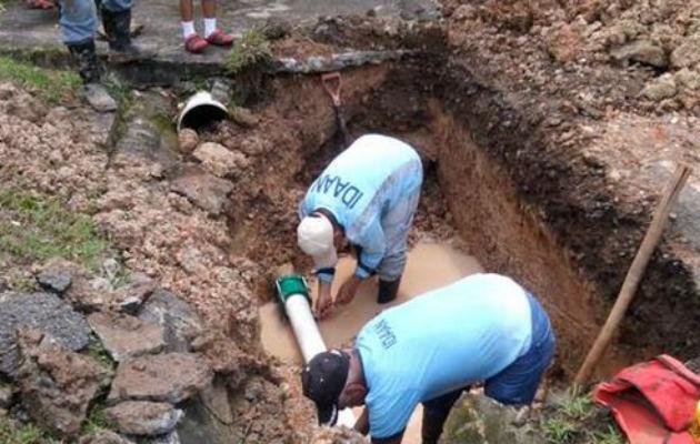 Trabajos de reparación en Río Abajo dejan sin agua a residentes