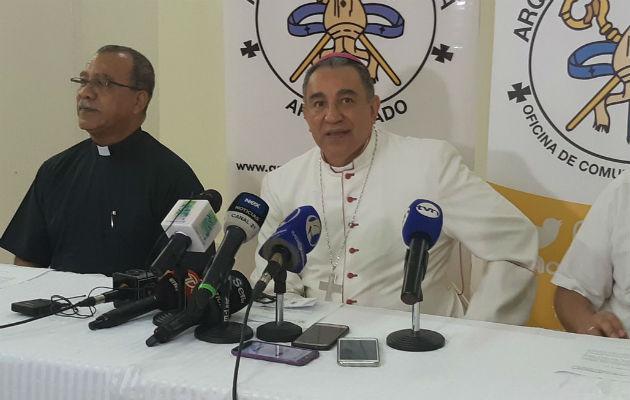 Iglesia católica separa a sacerdote por investigación del Ministerio Público