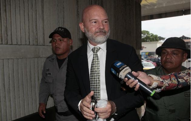 Gustavo Pérez se retracta de declaraciones en caso de pinchazo telefónico