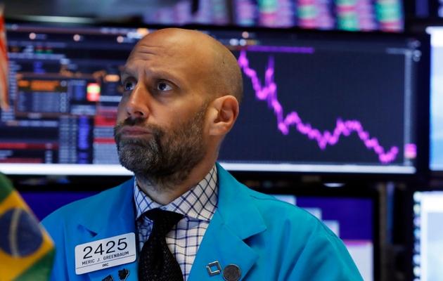 Las acciones caen, ante mayor evidencia de desaceleración por la guerra comercial