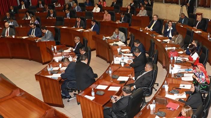 Asamblea Nacional cierra la puerta al matrimonio