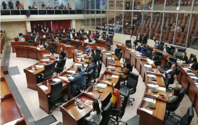 Asamblea Nacional analiza suspender debate de reformas constitucionales, tras rechazo de la población