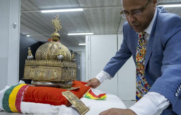 Una corona etíope sale a la luz luego de 20 años desaparecida