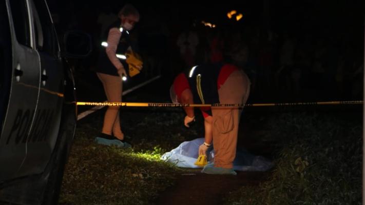 Atropellan a joven de 25 años y lo dejan tirado en la vía en la comunidad de Santo Domingo, Bugaba