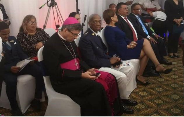 Municipio de Colón hace desaire al obispo católico durante la sesión solemne del Concejo el 5 de Noviembre